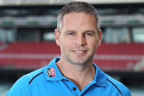 Brad Hodge to play BBL 05, 06 as player and coach for strikers