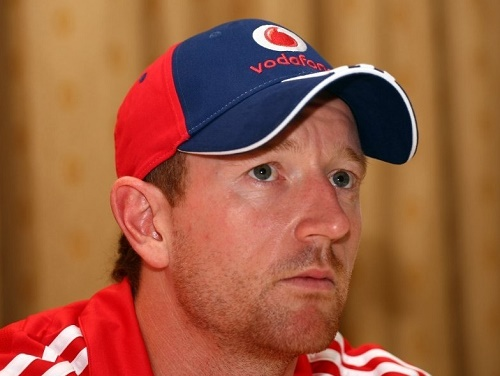Capricorn Commanders named Paul Collingwood as captain.