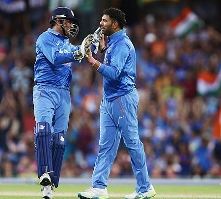 Gavaskar wants Yuvraj in India's World T20 2016 playing XI.