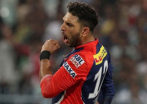 Sunrisers Hyderabad bought Yuvraj Singh for 7 Crore