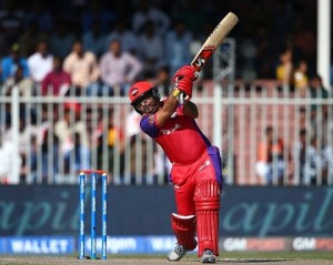 Virender Sehwag hits hundred in MCL.