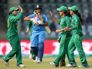 WT20 Pakistan women's beat India by 2 runs in DL method.