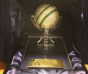 Crystallized cricket ball award for best psl 2017 bowler