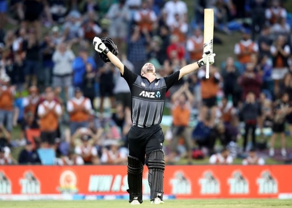 Colin Munro first batsman to score Three T20I centuries