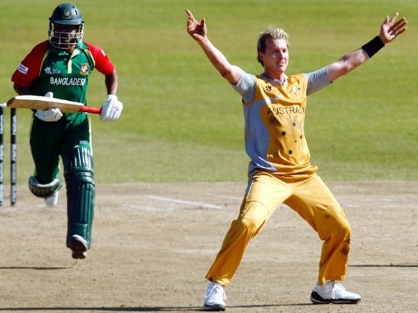 Brett Lee took first hat-trick of T20I cricket against Bangladesh in t20 world cup 2007
